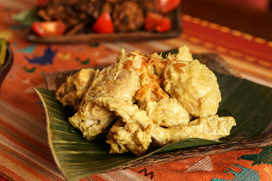 Ayam Gulai Putih - Indonesian white chicken curry