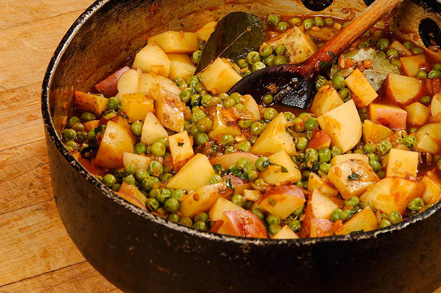 Red curry potatoes and peas