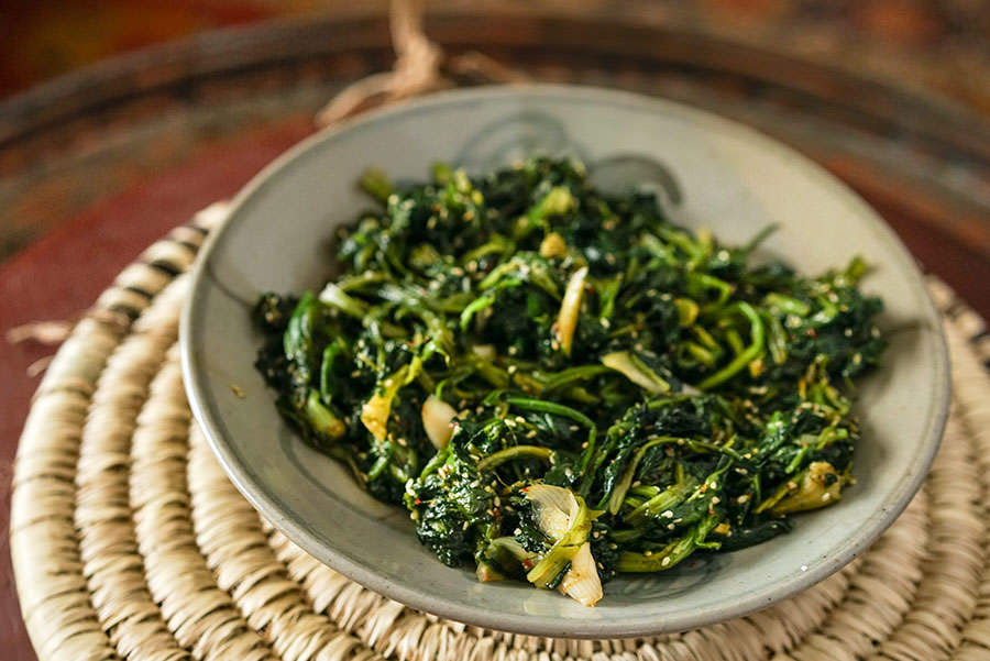 Spinach Sautéed with Garlic