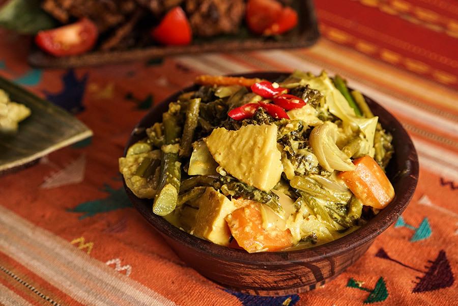 Gulai Kapau Padang Vegetable Curry