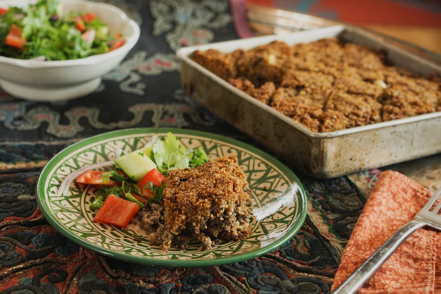 Kebbeh bil sinieh – Baked bulgur and ground beef pie