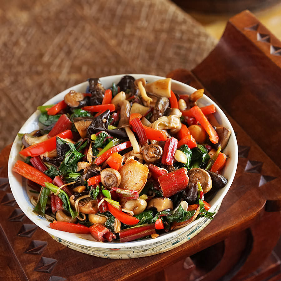 Stir-Fried Mushrooms and Vegetables