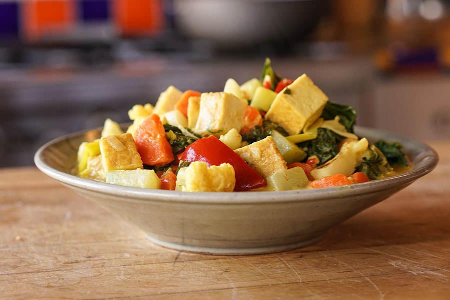 Cari De Tofu Et Legumes Balinais