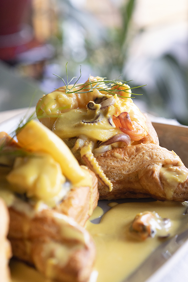 Saffron seafood in puff pastry