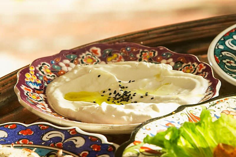 Tereyagli Humus - Hot Hummus