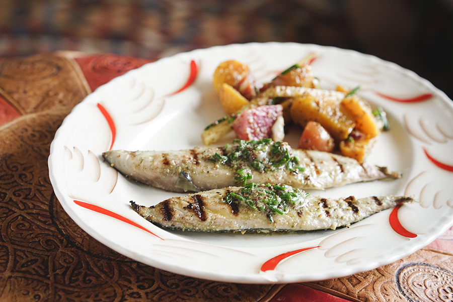 Grilled mackerel filets and mustard, beet salad