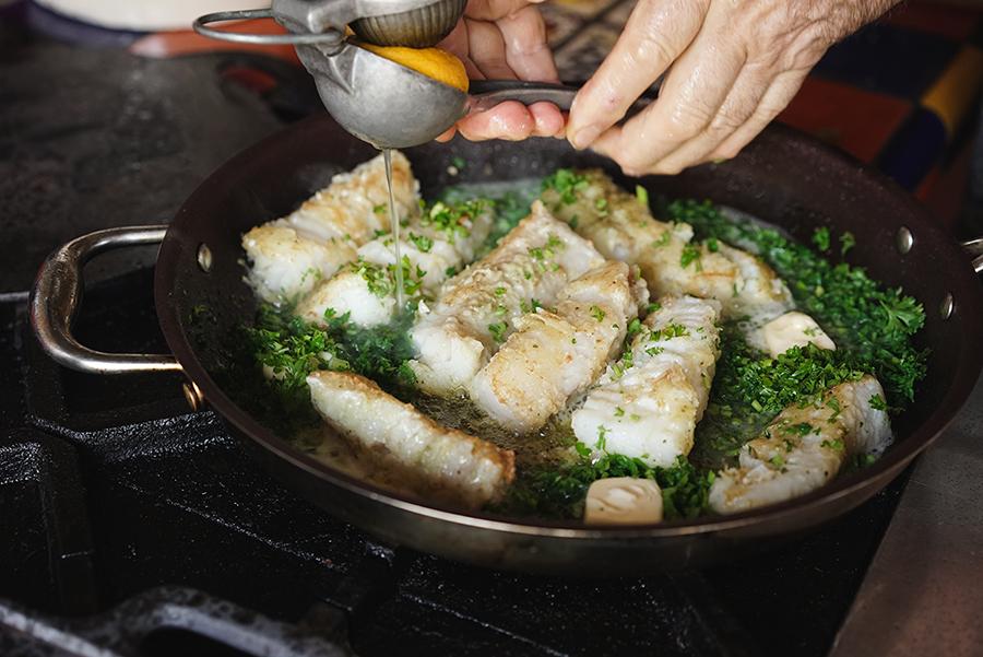 Parsley and lemon cod