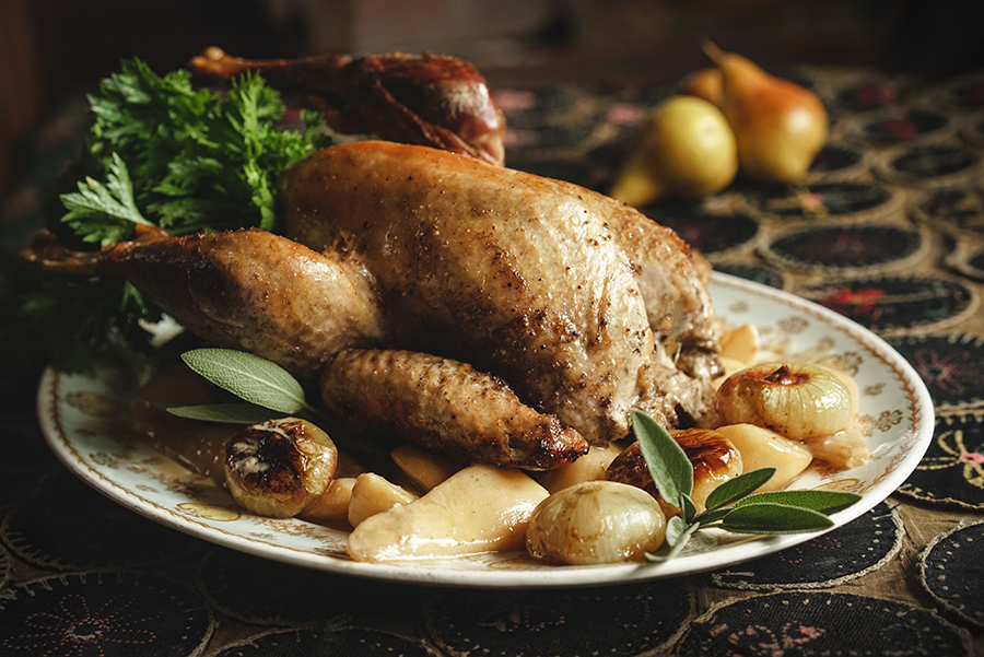 Guinea hen with pears