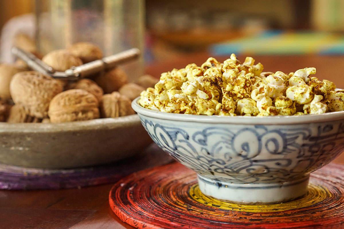 Curry popcorn