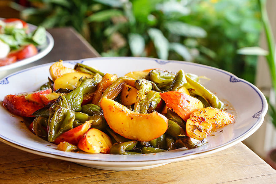 Peach and green pepper salad