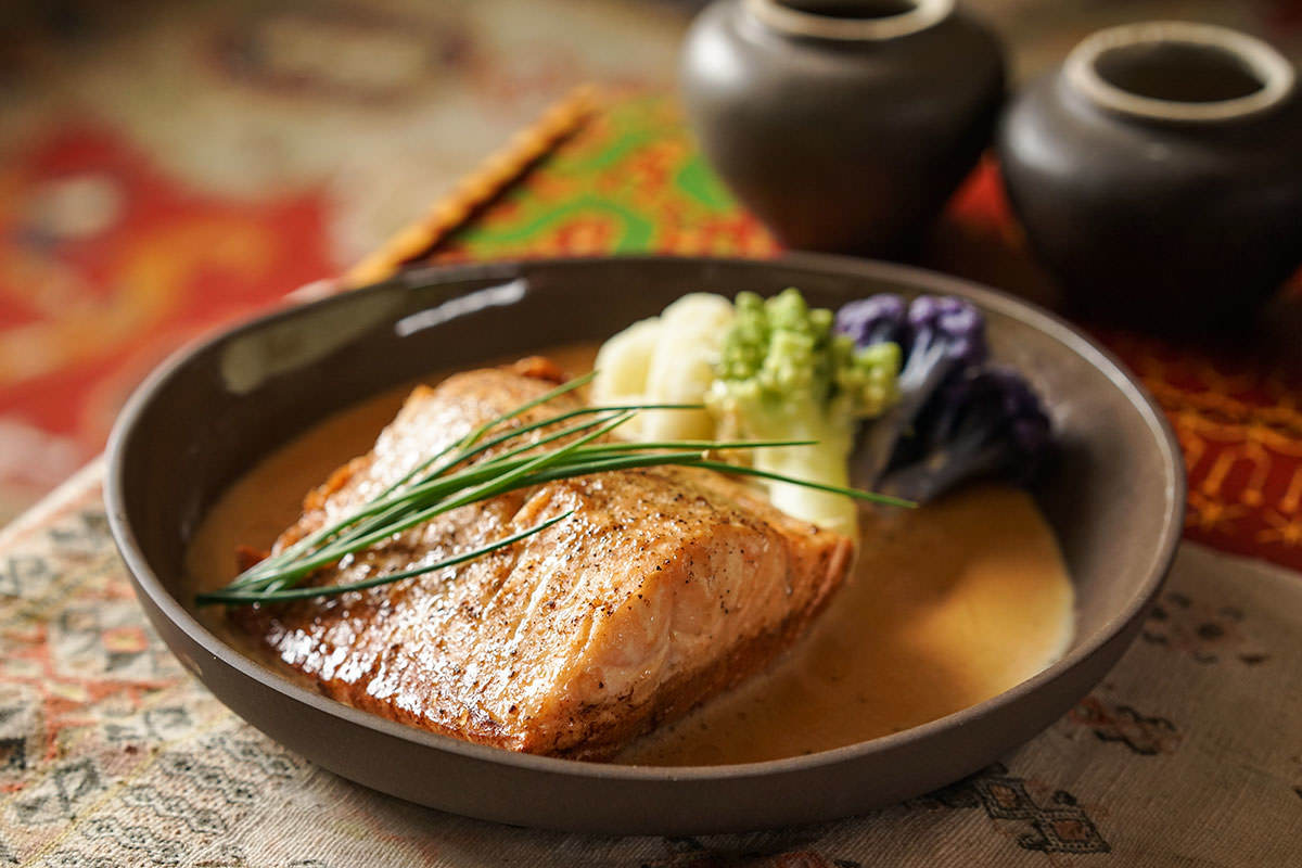 Trout Fillets with Chai Cream Sauce